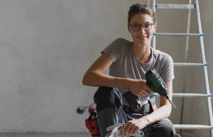 Mit einer Muskelhypothek beim Hausbau sparen - auch mit Freunden